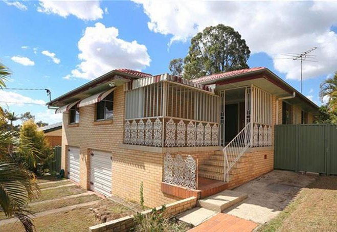 Stafford Heights, Family Home for 4